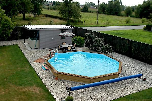 Houten zwembaden opbouw of inbouw for Ingebouwd zwembad zelf maken
