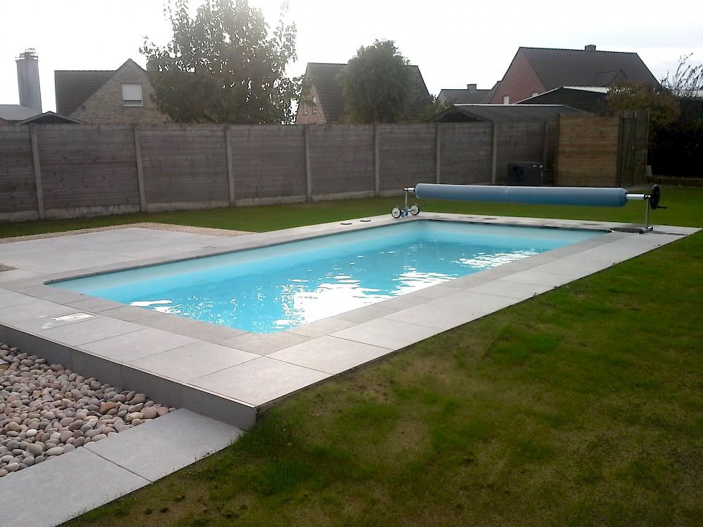 Thermopool zwembad met isolatiestenen for Inbouw zwembad zelf bouwen