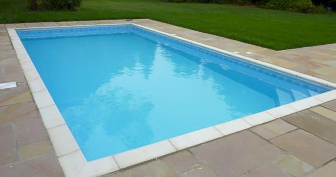 Thermopool zwembad met isolatiestenen